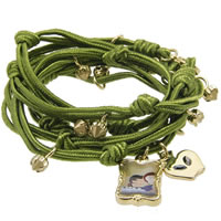 DISNEY_COUTURE_Snow_White_Wrap_Charm_Bracelet0.jpg