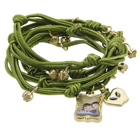 DISNEY_COUTURE_Snow_White_Wrap_Charm_Bracelet1.jpg