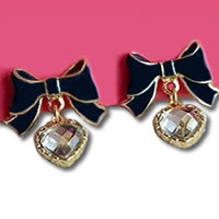 Betsey_Johnson_Black_Bow_Earrings0.jpg