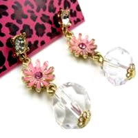 Betsey_Johnson_Pink_Daisy_Earrings0.jpg