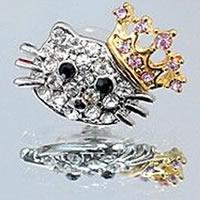 Hello_Kitty_Crown_Earrings0.jpg