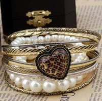 Multi-Bangle_Leopard_Heart_Bracelet0.jpg