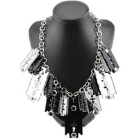 Razor-Blade-Necklace0.jpg