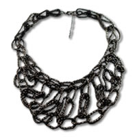 Trendy_Statement_Necklace_Black0.jpg