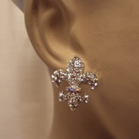 fleur-de-lis_stud_crystal_earrings0.jpg